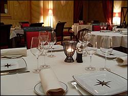 invitation gastronomique offrez un restaurant menu tout compris. Black Bedroom Furniture Sets. Home Design Ideas