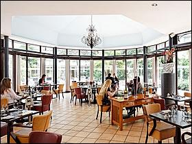 Restaurant cap sud holiday inn bougival bougival yvelines 78 for Restaurant bougival