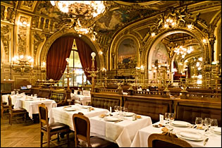 Click for more information or reservations at Le Train Bleu