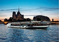 Bateaux Mouches restaurant groupe Paris 8