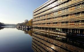 Design contemporain sur le canal de La Villette***