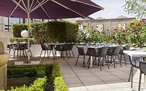 Hôtel d'affaires avec terrasse***